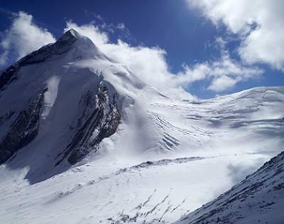 Chulu Far - East Trekking Peak Climbing